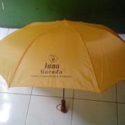 payung lipat 2 kuning 1